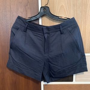 Vince Shorts In sz 8